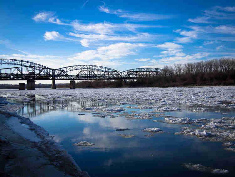 Ice on the Missouri River