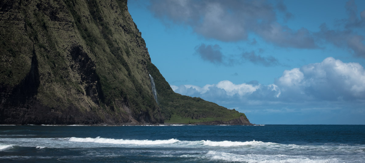 Waipiʻo Valley beach
